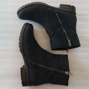 Hokus Pokus dark gray short boots size 8